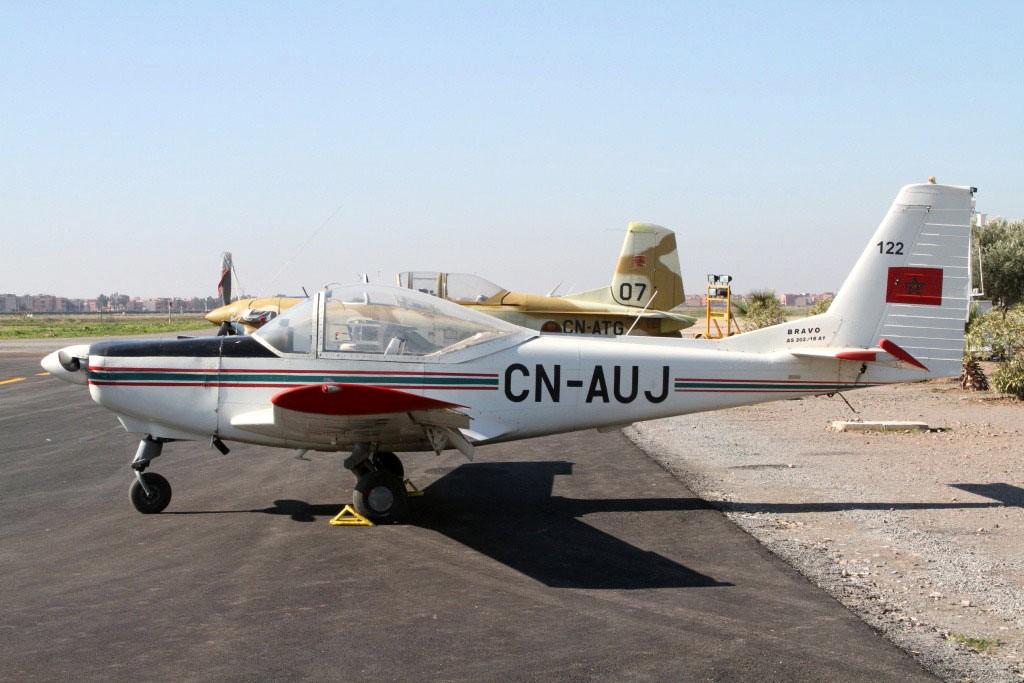 FRA: Photos avions d'entrainement et anti insurrection - Page 5 Clipb115