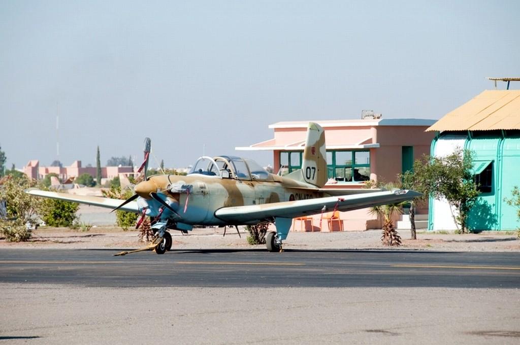 FRA: Photos avions d'entrainement et anti insurrection - Page 5 Clipb118