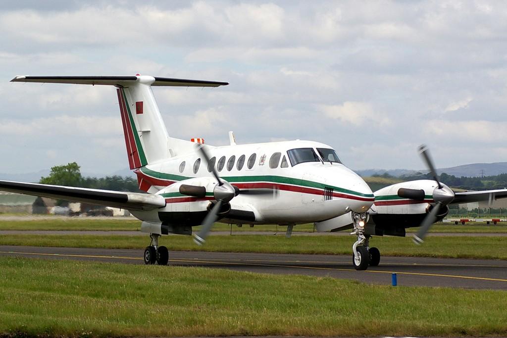 FRA: Avions VIP, Liaison & ECM - Page 3 Clipb228