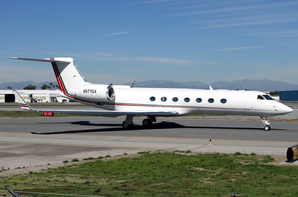 FRA: Avions VIP, Liaison & ECM - Page 3 Clipb234