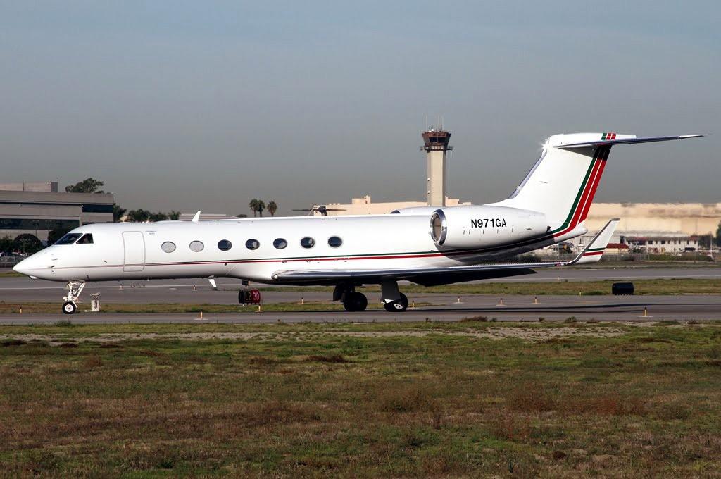 FRA: Avions VIP, Liaison & ECM - Page 3 Clipb236
