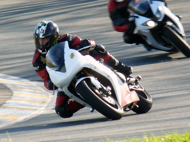 Compétition Moto - Page 2 P1080010