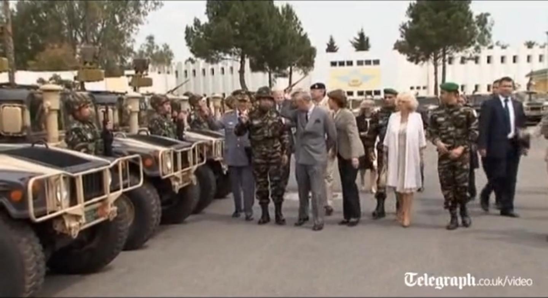 الأمير تشارلز يقوم بزيارة للواء الاول للمشاة المظليين بالمغرب أبطال العالم خمس مرات 1bip10