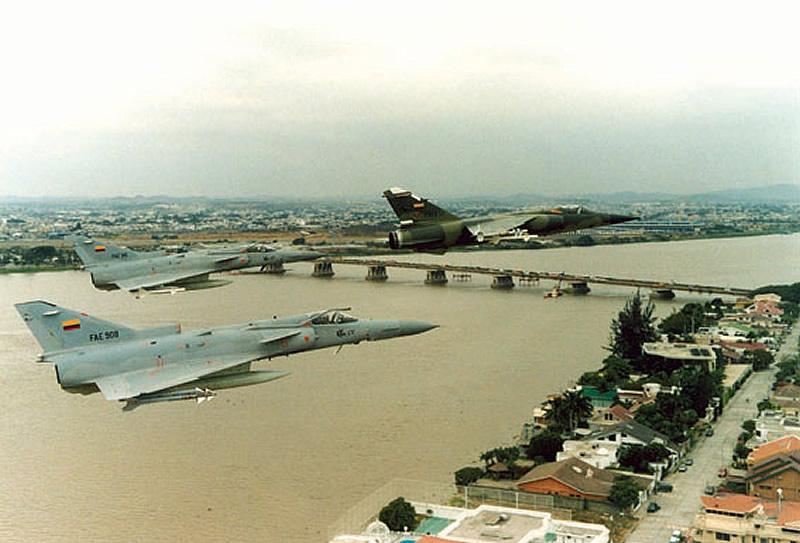Armée Equatorienne/Fuerzas Armadas del Ecuador - Page 2 Air_kf11