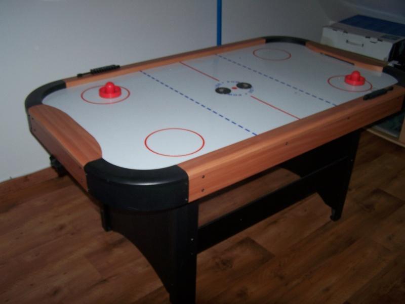 table air hockey +-1an valeur neuf 600euro vendu 225euro  100_2114