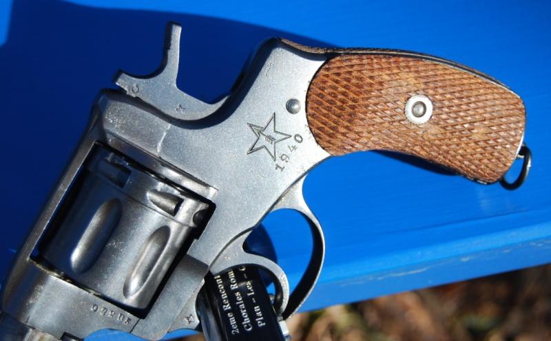 Armes de poings réglementaires Dsc_0081
