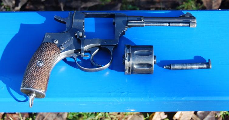 Armes de poings réglementaires Dsc_0087