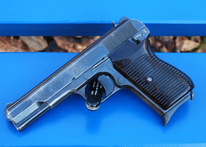 Armes de poings réglementaires Dsc_0096