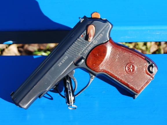 Armes de poings réglementaires Dsc_0100
