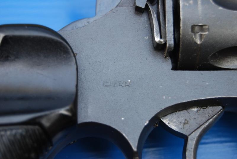 Revolvers british Enfiel12