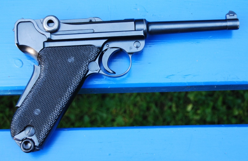 Armes de poing suisses du XXème siècle,  P06, P49 (P210), P75 Parabe11