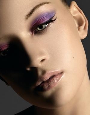 Idée de maquillage - Page 6 25681110