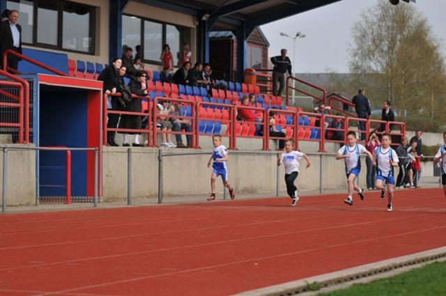 Compétition Bertrix le 13/04/2009 Athla_17