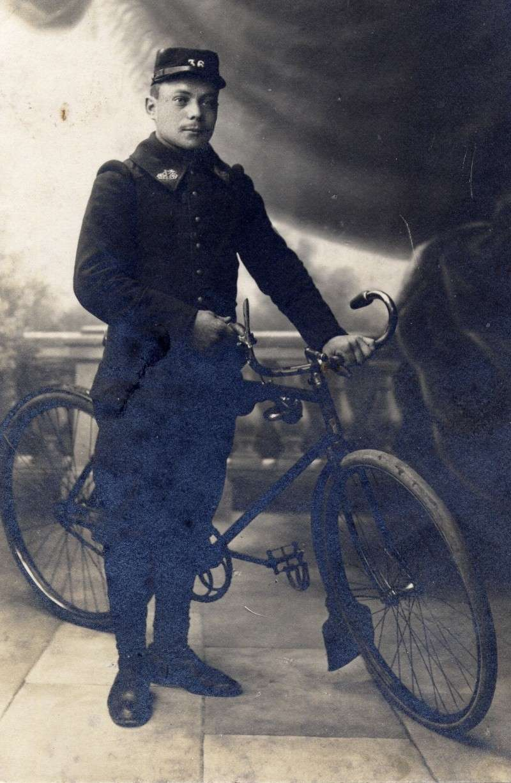 Divers  photo d'estafettes cyclistes Dec16610