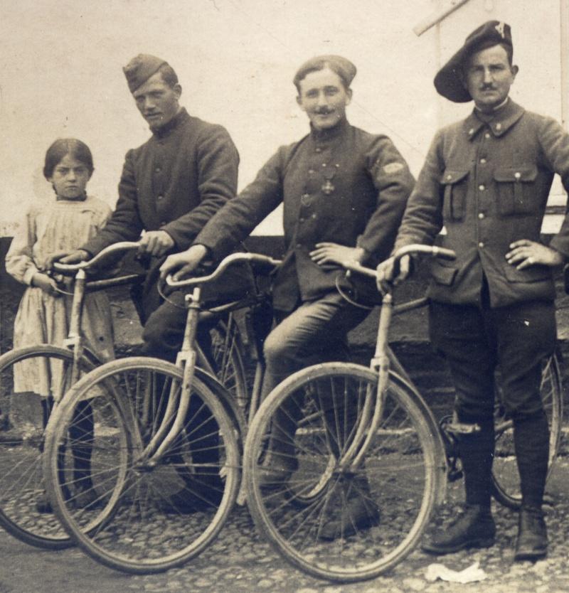 Divers  photo d'estafettes cyclistes Dec18610