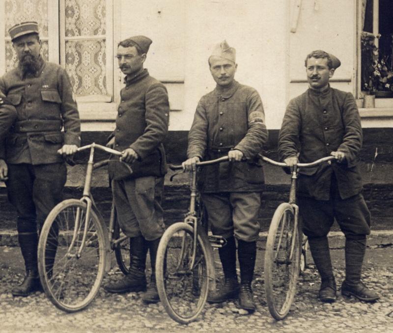 Divers  photo d'estafettes cyclistes Dec18611