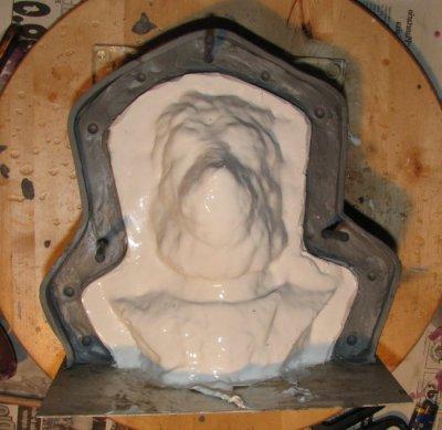 Moulage simple à la silicone avec chape de plâtre. - Page 2 210