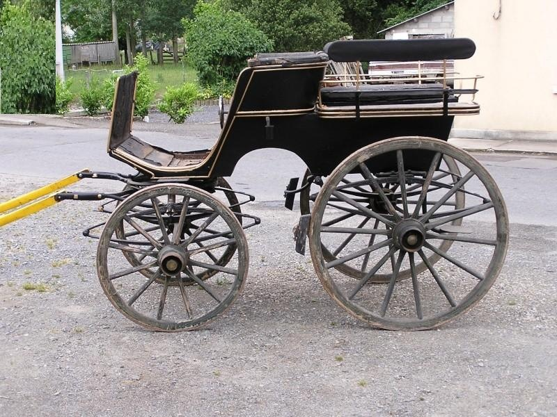 Horse drawn Caleche - 4 wheels - marriage type - Dept 50 Calech11