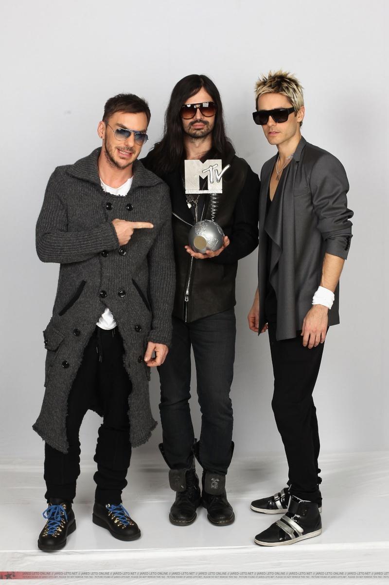 MTV EMA Cérémonie - Page 9 008-110