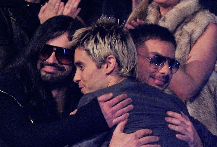 MTV EMA Cérémonie - Page 11 72998_10