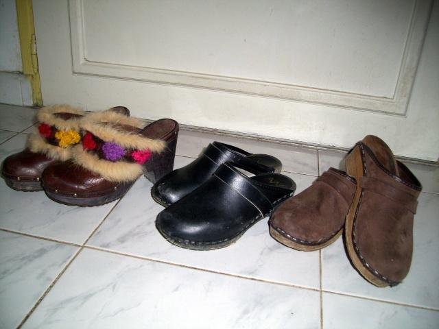Parce que les filles, ça aime les poupées et les chaussures - Page 4 100_1029