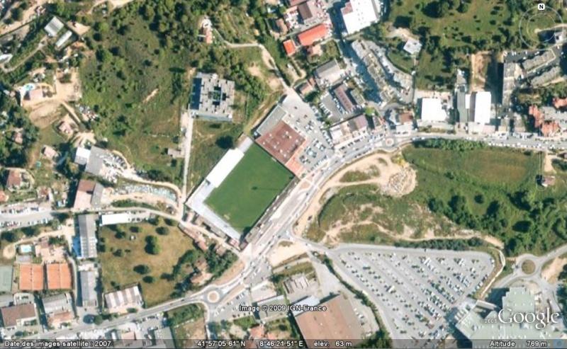 Stades de football dans Google Earth - Page 17 Aj10