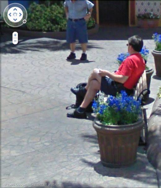 STREET VIEW : les gens en chaussettes noires ! - Page 3 Busch_11