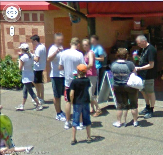 STREET VIEW : les gens en chaussettes noires ! - Page 3 Busch_22
