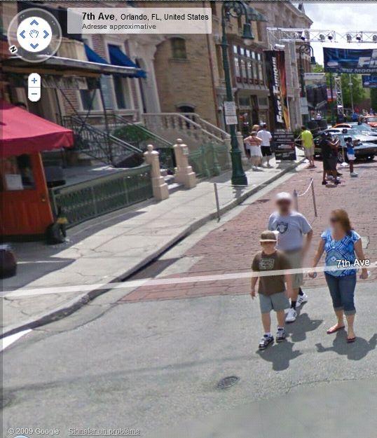 STREET VIEW : les gens en chaussettes noires ! - Page 3 Univer11