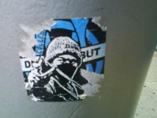 """Stickers """"Partout/Toujours"""" (Photos/débats) - Page 12 Dsc01011"""