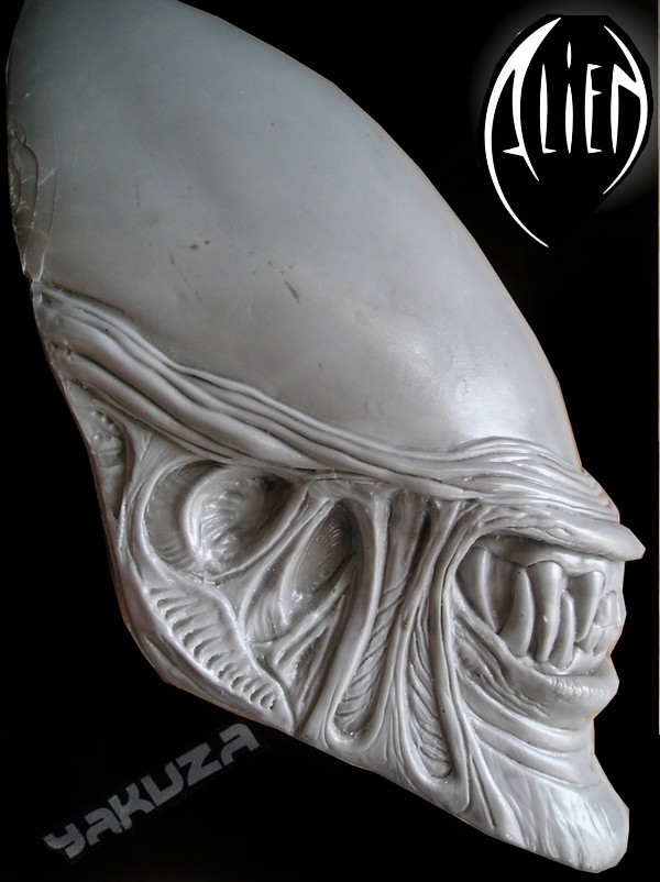 tete alien echelle 1 P1010119