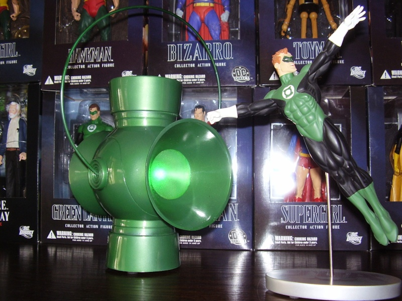 JLA TROPHY ROOM: GREEN LANTERN POWER BATTERY PROP REPLICA Batter10