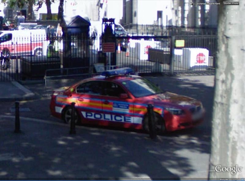 STREET VIEW : véhicules de police du monde Bm10