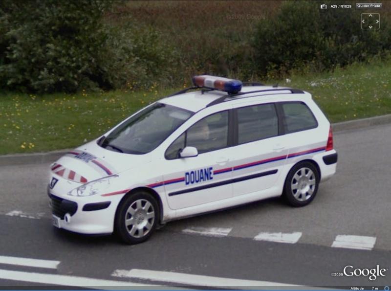 STREET VIEW : véhicules de police du monde - Page 3 Douane10