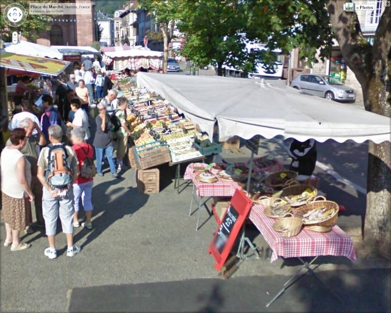 STREET VIEW : les scènes de marchés et brocantes Marche10