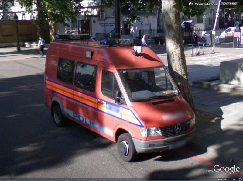 STREET VIEW : véhicules de police du monde Merced10
