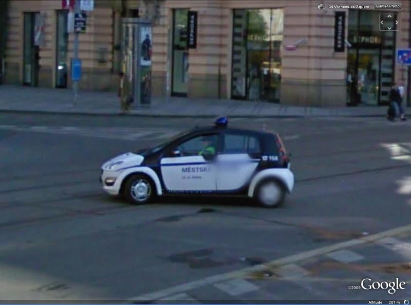 STREET VIEW : véhicules de police du monde - Page 3 Police10