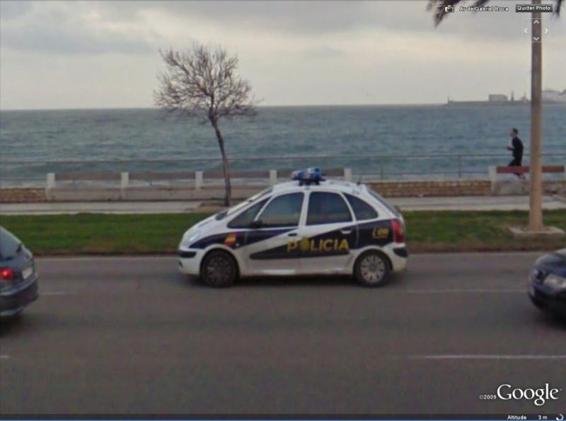 STREET VIEW : véhicules de police du monde - Page 4 Police11
