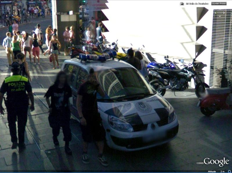 STREET VIEW : véhicules de police du monde Scenic10