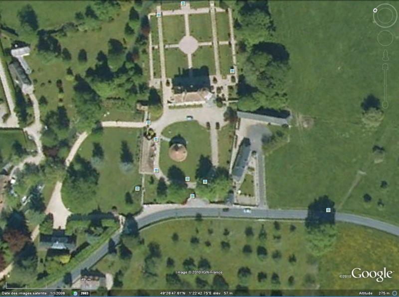 Statue de la Liberté = les répliques découvertes grâce à Google Earth - Page 4 Vasceu10