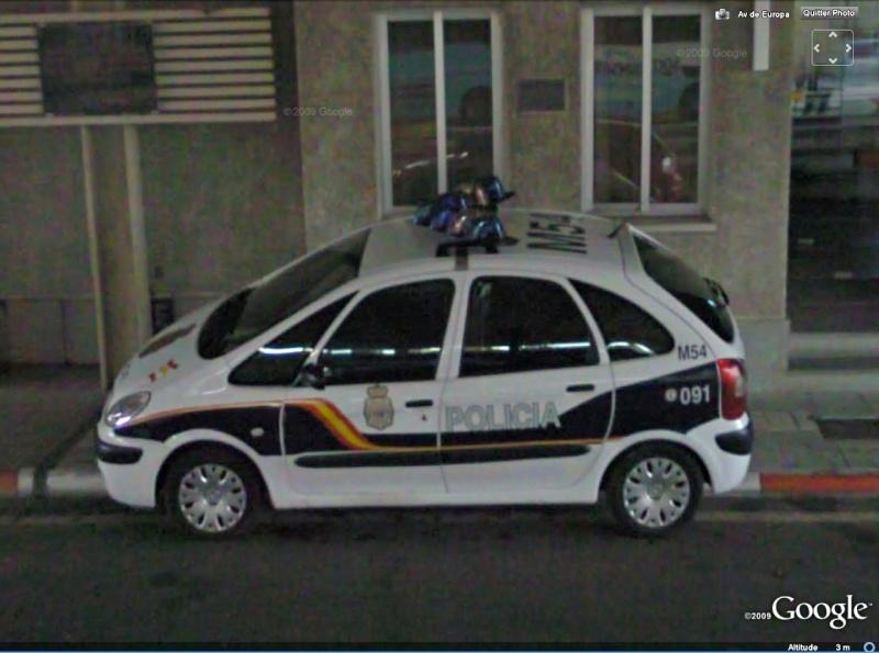 STREET VIEW : véhicules de police du monde Xsara10