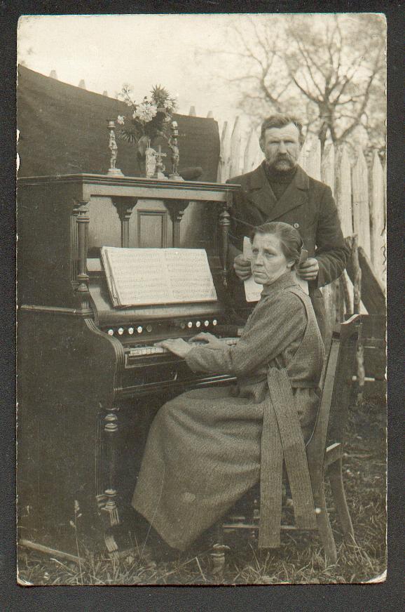 Cartes postales d'harmoniums et de reed organ Joueus10
