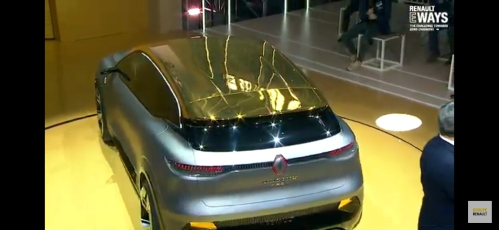 2020 - [Renault] Mégane eVision Screen13
