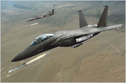 """OPERACIÓN """"ODISEA AL AMANECER"""": Primer disparo en suelo libio de aviones franceses - Página 2 F-15se10"""