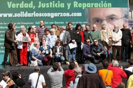 """Artistas, sindicatos y políticos piden el fin de la """"persecución"""" a Garzón Partic10"""