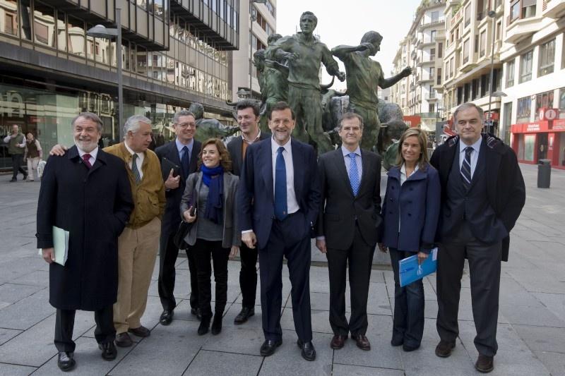 Rajoy rechaza hablar de Irak y anuncia su apoyo a Zapatero en Libia Rajoy_10