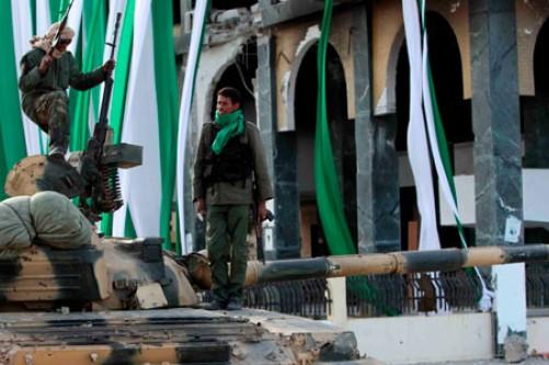 """OPERACIÓN """"ODISEA AL AMANECER"""": Primer disparo en suelo libio de aviones franceses - Página 2 Soldad15"""