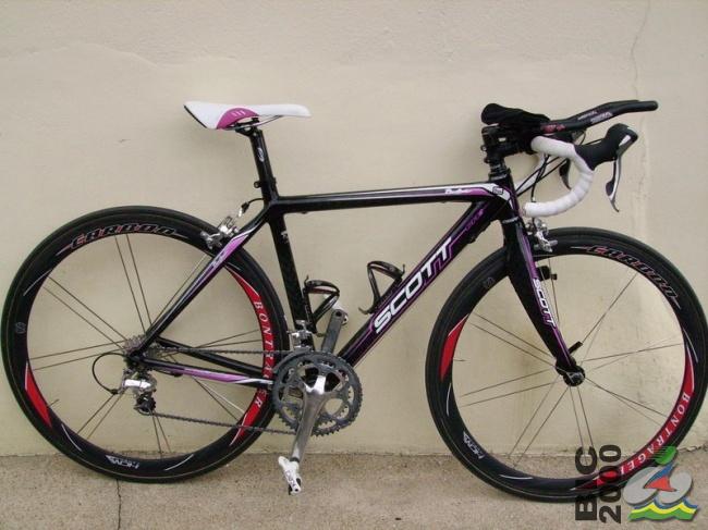 Vol vélo + casque + chaussures ! Bike10