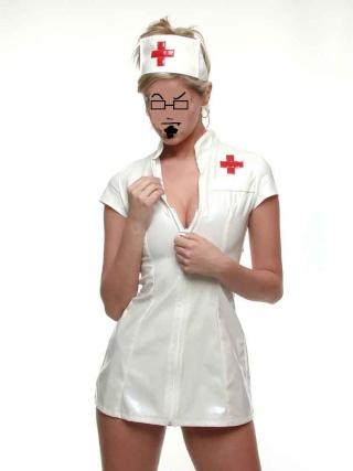 Le coin des p'tits vieux tout chafouins. - Page 3 Nurse011