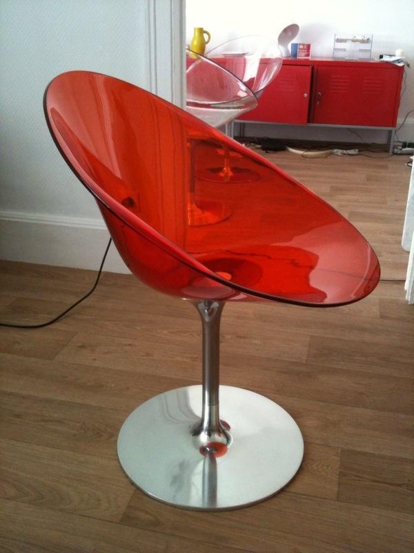 VENDU fauteuil rouge EROS KARTELL de PHILIPPE STARCK 200€ Eros_110